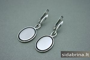 Kabantys sidabriniai auskarai - AUM573