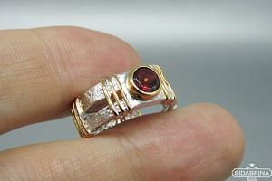 Žiedas su granatu - ZDM1522