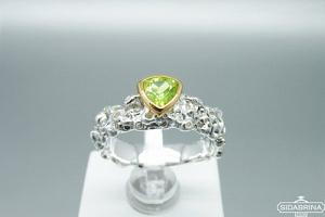 Žiedas su peridotu - ZDM1200