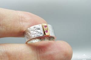 Žiedas su rožiniais safyrais - ZDM1284