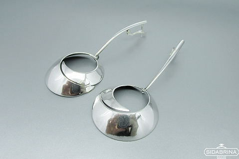 Kabantys sidabriniai auskarai - AUM1373