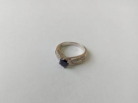 Žiedas su korundu - ZDM1563