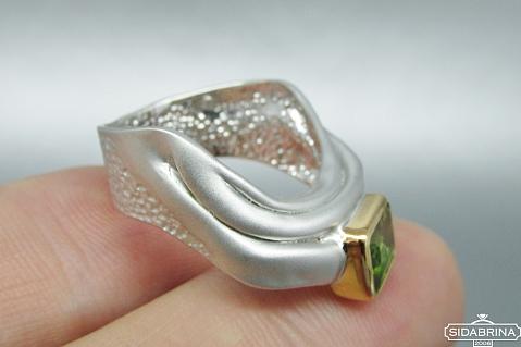 Žiedas su peridotu - ZDM717