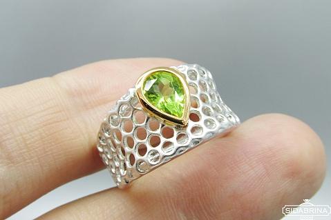 Žiedas su peridotu - ZDM864