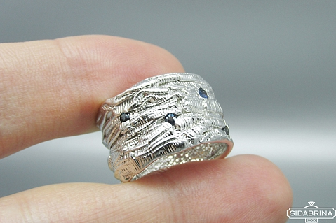 Žiedas su safyrais - ZDM1252