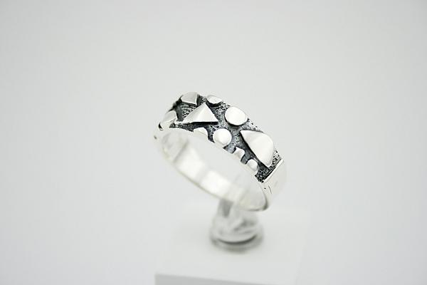 Tamsinto sidabro žiedas - ZDV037