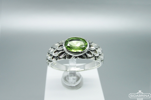 Žiedas su peridotu - ZDM1168